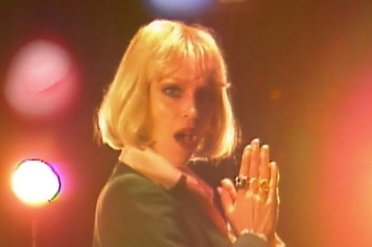 picture of st. vincent in blonde wig